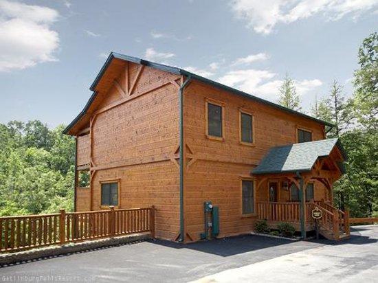 Gatlinburg Falls Resort: Front