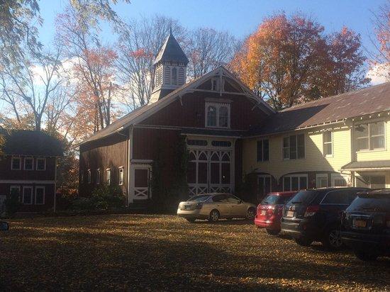 Black Walnut Inn: The Lovely Barn
