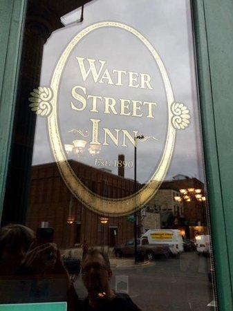 Water Street Inn: Front