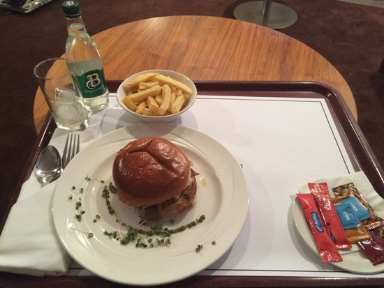 Clayton Hotel Galway: Room service - mediocre offering