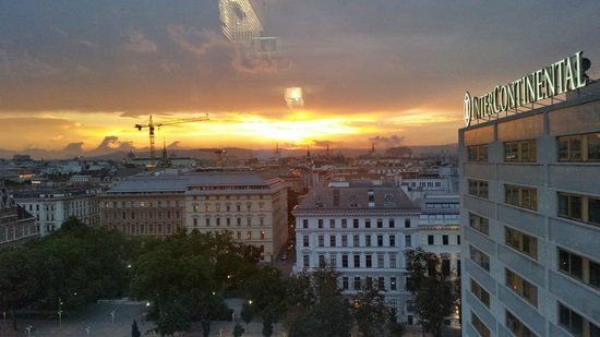 InterContinental Wien: Abendsonne von der Club-Lounge aus