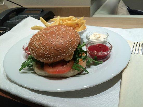 Welcome Hotel Frankfurt: *nomnomnom* :)