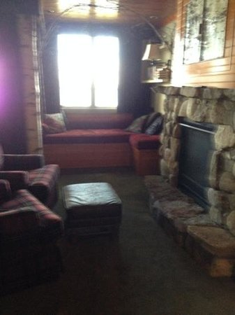 Church Landing at Mill Falls : rm 280