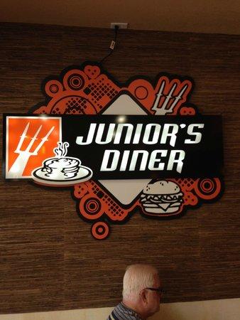 Junior`s Diner