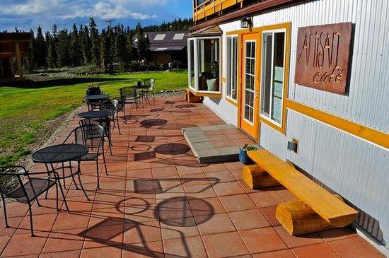 Artisan Cafe at Tonglen Lake