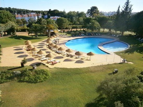 Evora Hotel : la piscina