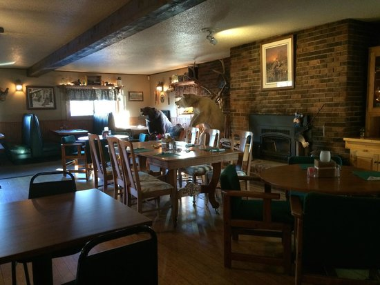 Mikana, WI: The bar/dining side of the restaurant
