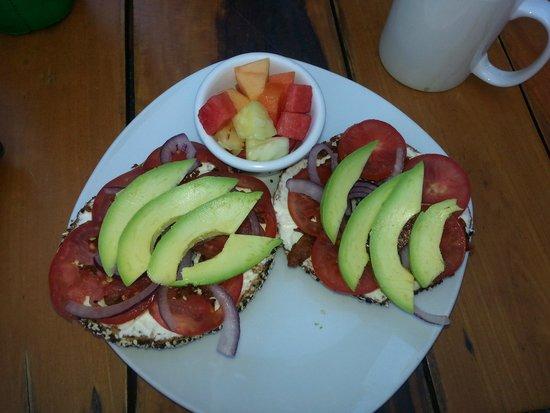 Marina Paraiso: Cool Breeze breakfast bagel....YUM!