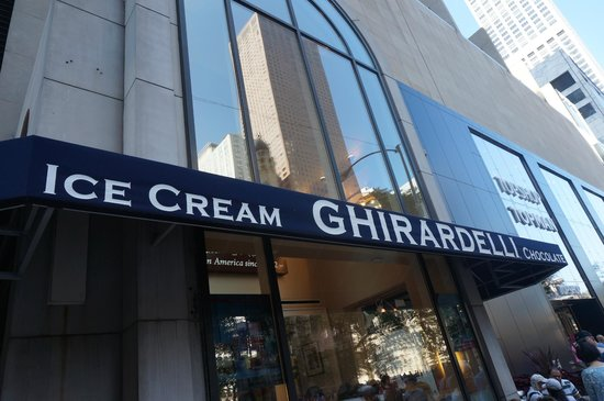 Ghirardelli Ice Cream & Chocolate Shop: Entrada