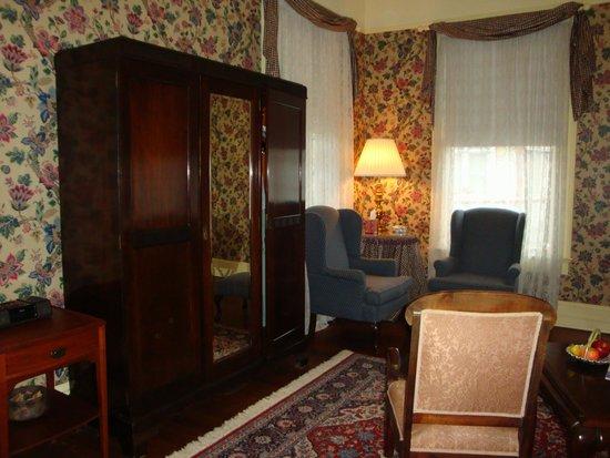 Shellmont Inn Bed and Breakfast: Veranda Suite