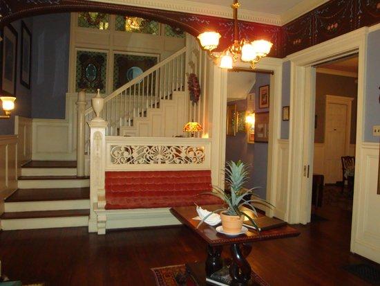Shellmont Inn Bed and Breakfast: Main Floor