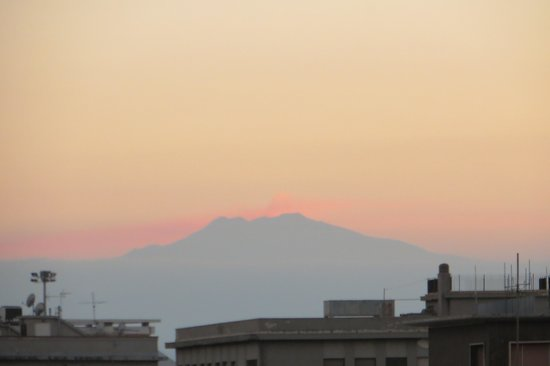 Abacus Bed&Breakfast: Mt. Etna from our balcony