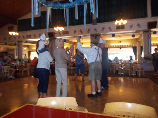 Ober Gatlinburg's Restaurant and Lounge: The Duck Dance