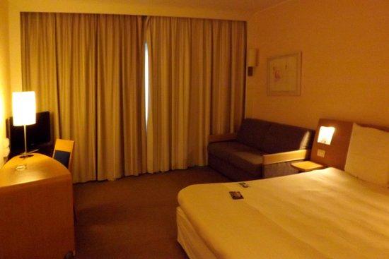 Novotel Venezia Mestre: Hotel room.