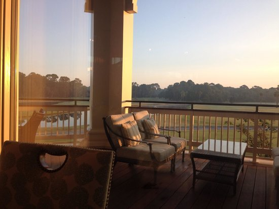 Inn & Club at Harbour Town - Sea Pines Resort: My breakfast view from the Live Oak Restaurant