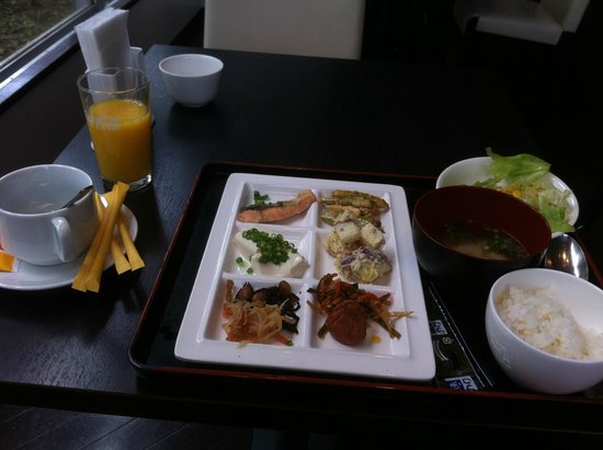 Best Western Tokyo Nishikasai Grande : Japanese food for breakfast make my day!
