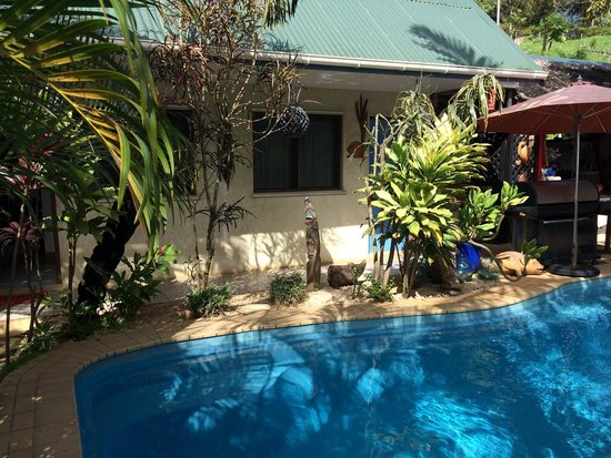 Traveller's Budget Motel: The pool