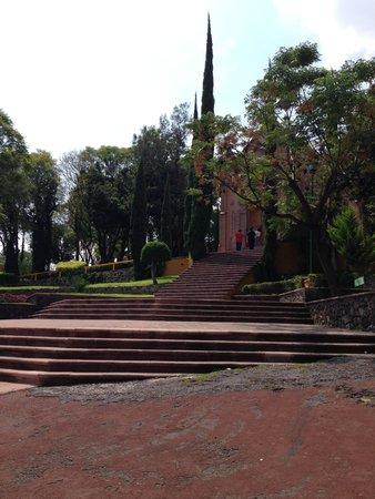 Hill of the Bells: escaleras cerro de las campanas