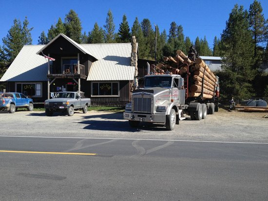 Elk City, ID: Delivering logs 2014
