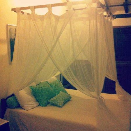 Casa Natureza Brasil: Nossa suite... Linda, aconchegante e bem romântica!