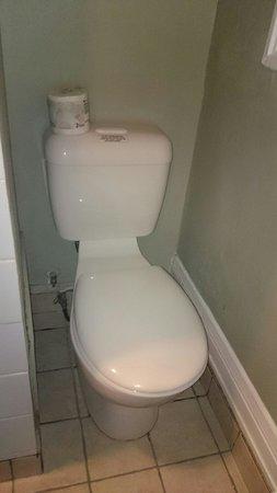 Sylvia Hotel : Kleines Badezimmer für kleine Menschen