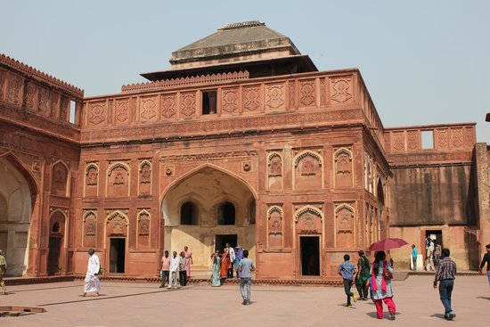 Amin Tours Day Tours: Agra Fort inside