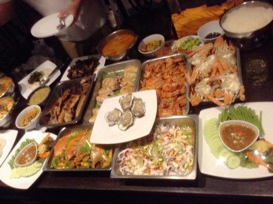 Malisa Villa Suites: Sea food dinner