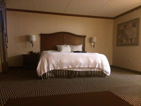 Hampton Inn & Suites Manchester - Bedford: Nice comfy bed