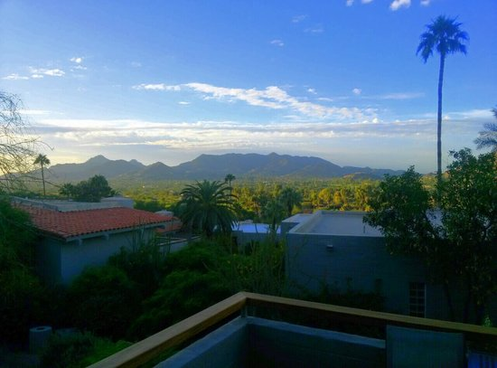 Sanctuary Camelback Mountain: View from 241