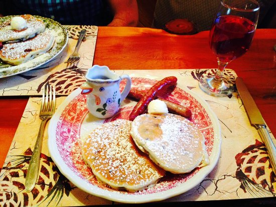 Eagle's Nest Bed and Breakfast Lodge: Breakfast