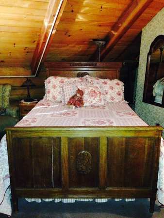 Eagle's Nest Bed and Breakfast Lodge: Bedroom