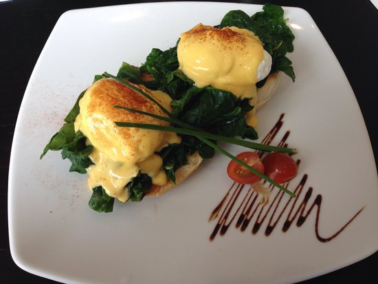 Lime Caffeteria : Eggs ben spinach