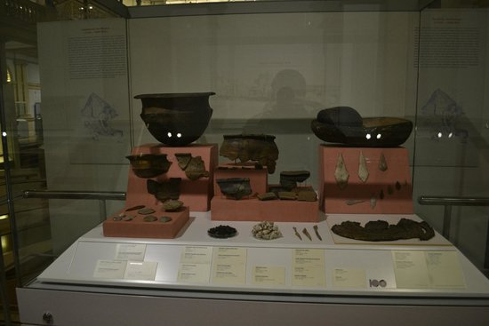National Museum of Ireland - Archaeology : Museum exhibits