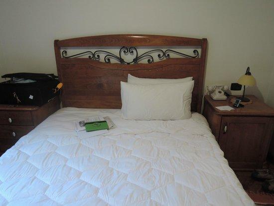 Hotel Mangalemi: Bedroom