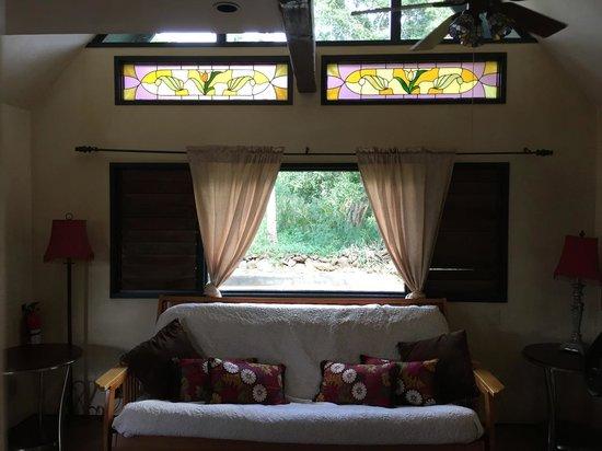 Spyglass Maui Rentals: living space