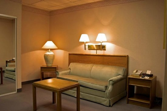 The Cow Palace Inn/ Rodeway Inn: Living area inside of room