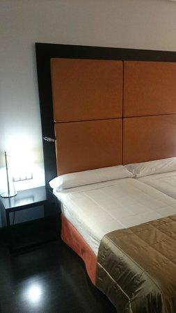 Gran Hotel Don Manuel: La cama ademas de grande era muy comoda
