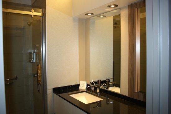 Hôtel Cofortel : salle de bains