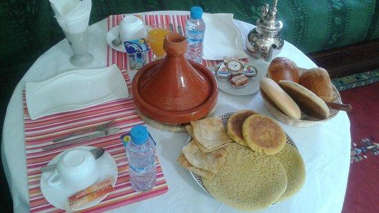 Riad Dar Achaach: petit déjeuner