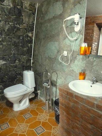Toon Armeni: Bathroom