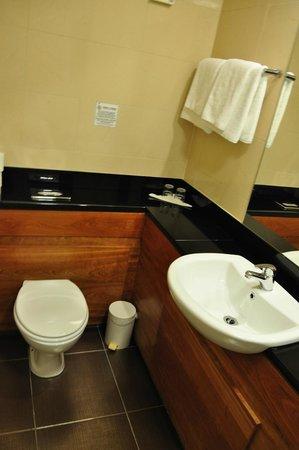 Clew Bay Hotel : bagno ampio