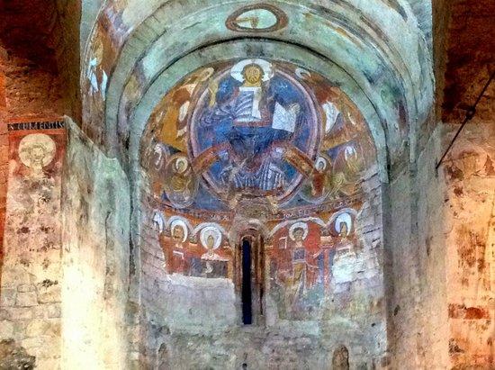 Interior fotograf a de iglesias rom nicas catalanas de la for Interior iglesia romanica