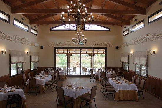 """Complejo Turistico Fuente Taray: Salón-Restaurante """"CERVANTES"""""""