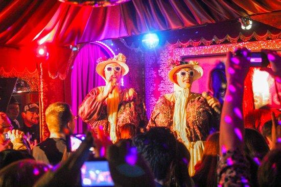 Olivias Show Club