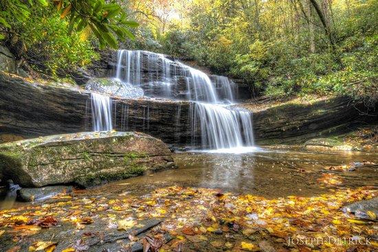 Miller's Land of Waterfall Tours : Waterfall picture from our tour with Millers Land of Waterfalls.