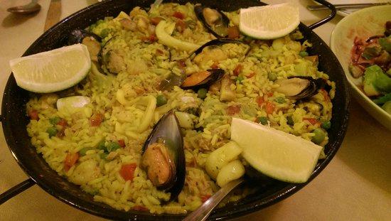 Restaurante Jardin de Los Naranjos: Paella