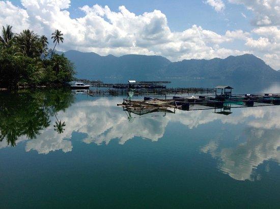 Waterfront Zalino: Het meer van Maninjau sept 2014