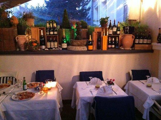 La Dolce Vita: Restaurant weiter