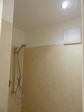 dusche begehbar bild von lobinger hotel weisses ross langenau tripadvisor. Black Bedroom Furniture Sets. Home Design Ideas