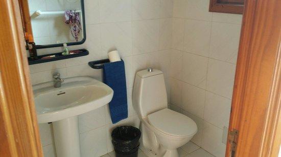 Fuerteventura Beach Club: Bathroom